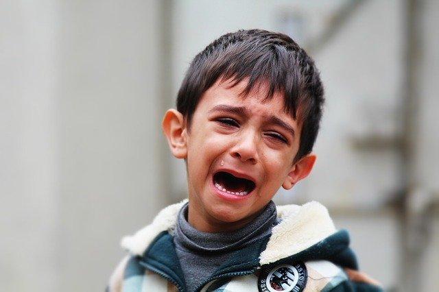 plačící chlapec